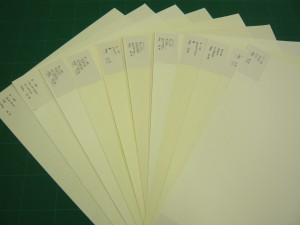 紙ギャラの雪たち